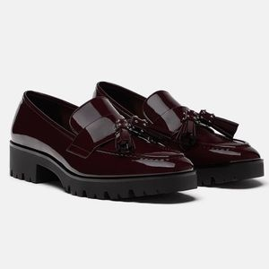Zara patent burgundy loafer tassel detail size 6.5